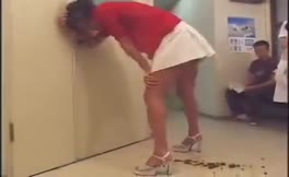 Amateur girl shitting in her panties