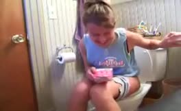 She's trying to poop
