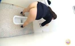 Japanese teen shitting in public bathroom