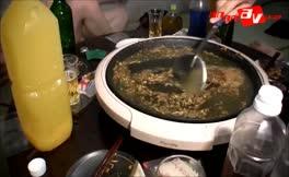 Japanese girls eat poop together