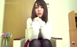 Panties down to poop on her knees